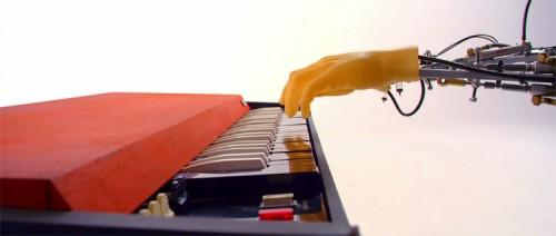 cyborg_pianist_750px